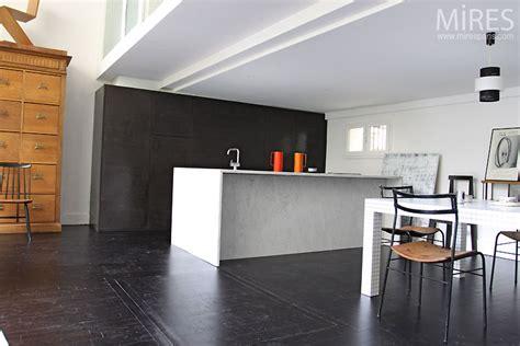 cuisine minimaliste design cuisine minimaliste resine de protection pour peinture