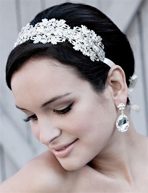 Best Wedding Accessories, Best Accessories for Pixie Short