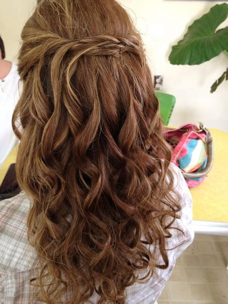 prom hairstyles loose curls prom hair loose curls