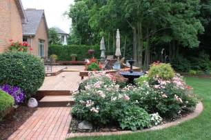 relaxing deck traditional landscape grand rapids by arcadia gardens llc