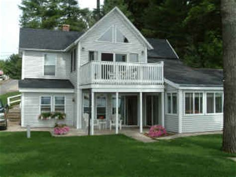 Cottages Traverse City Mi by Vacation Cottages In Traverse City Mi Lake Cottages