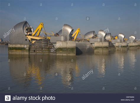 thames defence barrier thames barrier flood defense protecting london stock photo