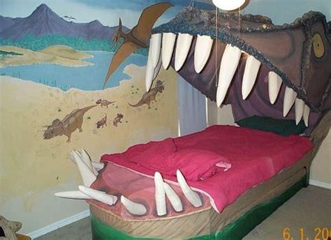 t rex making a bed strange beds los cuatro ojos