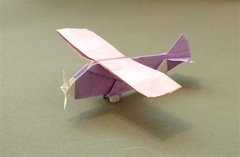 Aeroplane Origami - essential origami by steve and megumi biddle book review