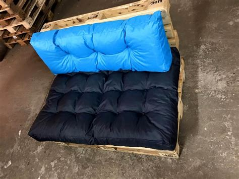 pallet seat low built pallet seating chair 99 pallets