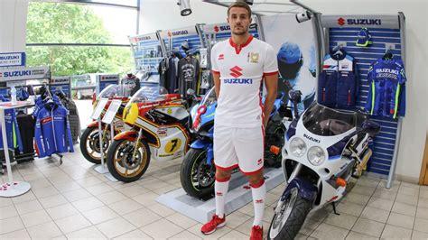 Milton Keynes Suzuki Dons Unveil 17 18 Kits At Suzuki Gb News Milton Keynes