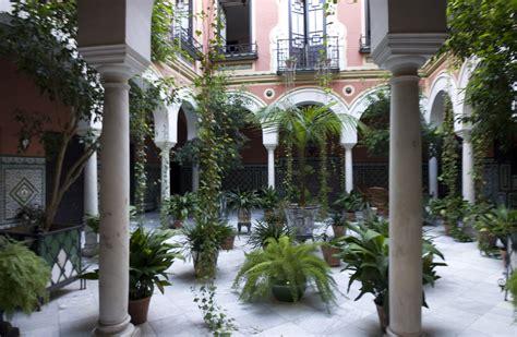 patio andaluz sevilla file juderia de sevilla patio calle ximenez de enciso
