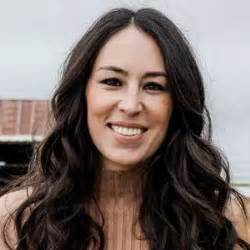 joanna gaines without eyeliner joanna gaines bio age affair married family husband net worth salary