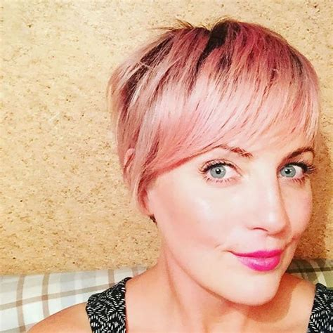 hairstyles with lighter colred top 24 chic highlights for short hair pastel hair colors for