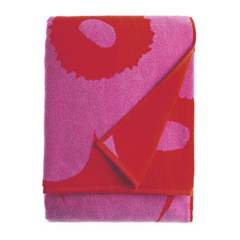 red towels bathroom marimekko unikko red fuchsia bath towel marimekko