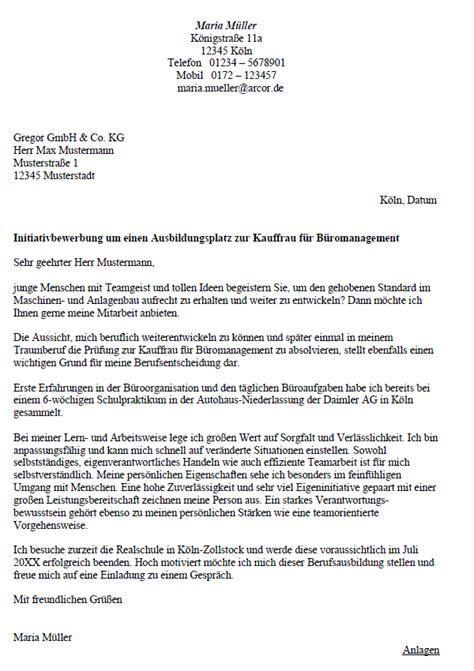 Anschreiben Bewerbung Kauffrau Fur Buromanagement Kauffrau F 252 R B 252 Romanagement Bewerbung Lebenslauf