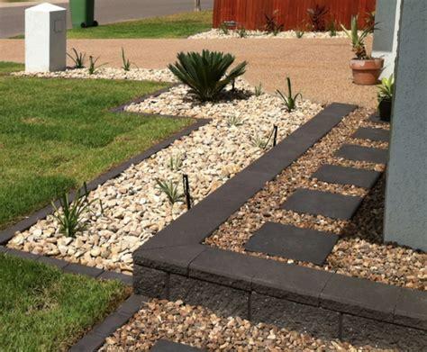 Garden Edging Pavers by Garden Edging Ideas Most Popular Materials For The Garden Design