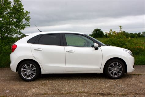 Suzuki Baleno Hatchback Suzuki Baleno Hatchback 2016 Features Equipment And