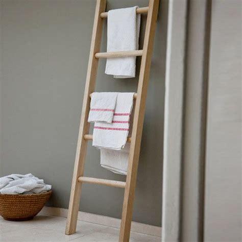 porte serviettes echelle  echelles pour la salle de bains wishlist deco porte