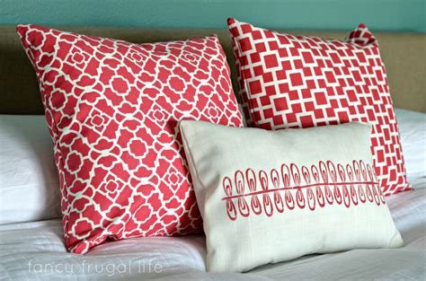 Toss Pillows For Bed February 2013