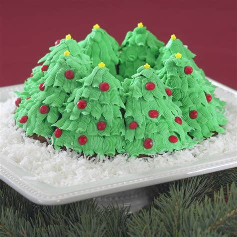simple recipe for nordic ware christmas holiday tree bundt pan nordicware tree bundt pan 10 cup cutlery and more