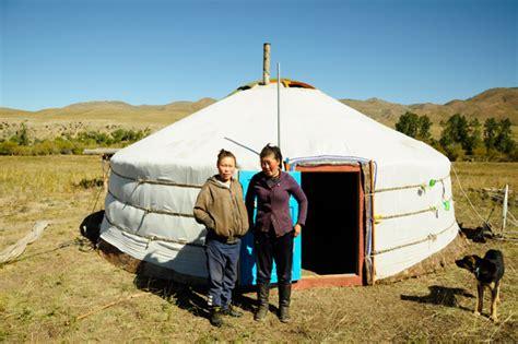 hutte mongole hutte en mongolie peche et sac a dos