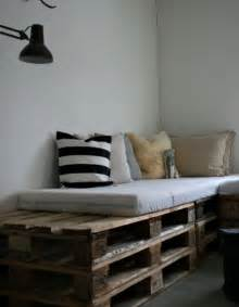 Wood Pallet Bed by 21 Ways Of Turning Pallets Into Unique Pieces Of Furniture