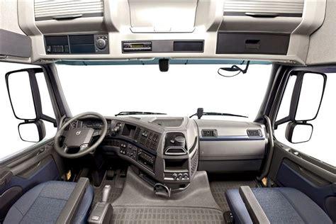 Volvo 440 Interior by Do Pesado Conforto Em Peso