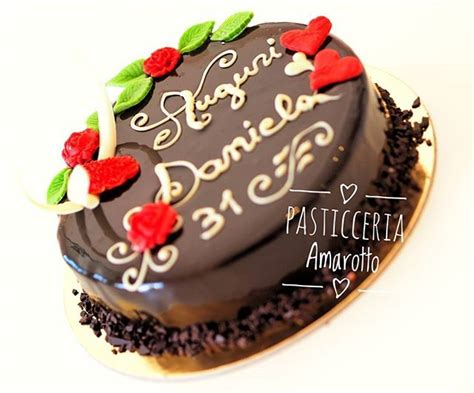 torta al cioccolato morbida all interno oltre 25 fantastiche idee su glassa di torta al cioccolato