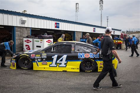 nascar notebook kenseth aims for third win at loudon