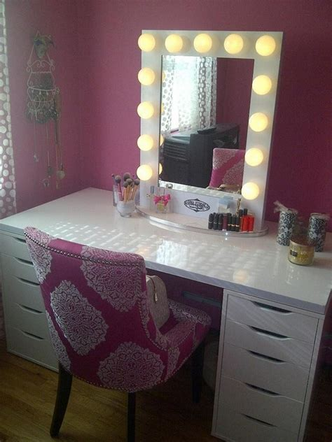 Diy Vanity Desk Diy Vanity Mirror From Scratch And Dresser Homestylediary