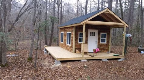 discover seven cedar roof shingle homes you will want to build 17 ideas about yurt kits on pinterest tiny log cabins