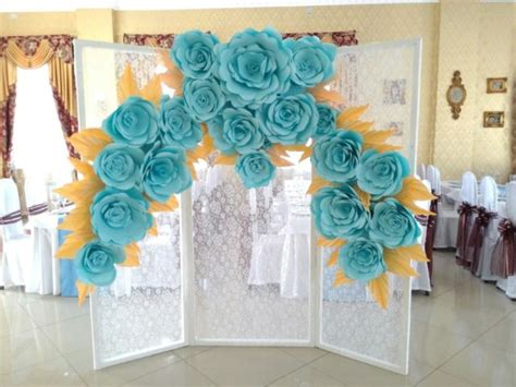 Ready Paper Flower Backdrop Dekorasi Bunga Kertas 7 tren bunga kertas untuk backdrop lamaran atau pelaminan yang manis banget simak 15 inspirasinya