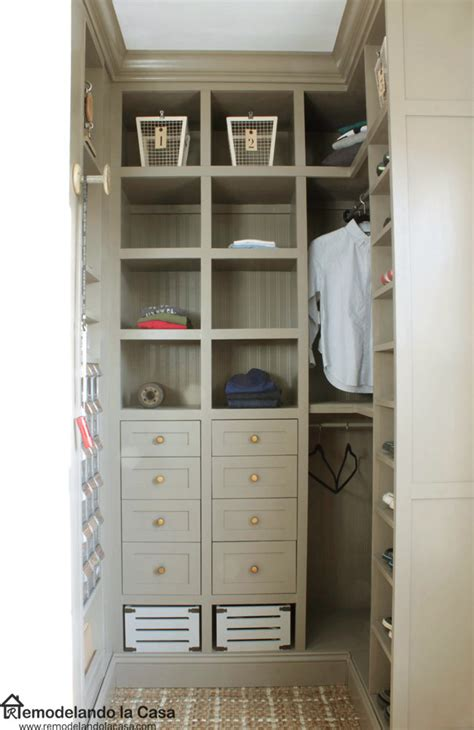 Diy Closet Makeover by Remodelando La Casa Diy Small Closet Makeover The Reveal
