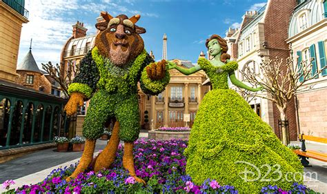 disney topiary frames two green thumbs up for disney topiaries d23