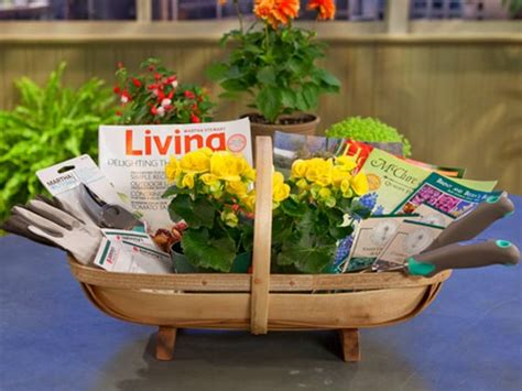 Gift Ideas For Gardeners 13 Themed Gift Basket Ideas For Families