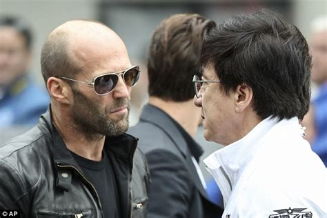 film mit jason statham and brad pitt jason statham is effortlessly cool with jackie chan and