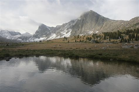 snow melting  days earlier  wyoming mountains cbs news