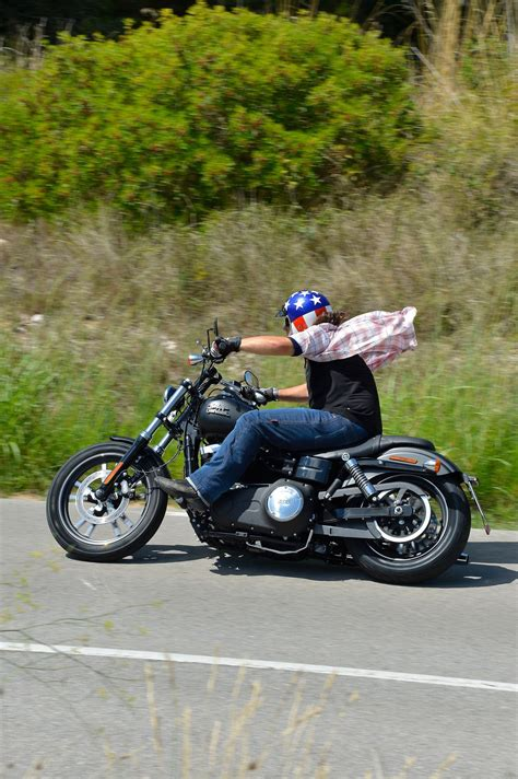 Motorrad Gebraucht Spezial 2016 by Gebrauchte Harley Davidson Dyna Bob Special