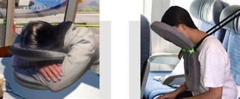 schlafen im flugzeug vergleich gut schlafen im flugzeug facecradle j pillow