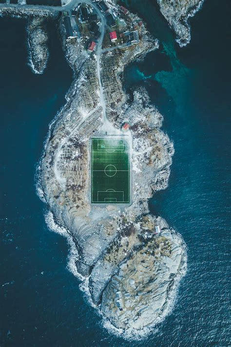 henningsvaer football field lofoten norway steffen