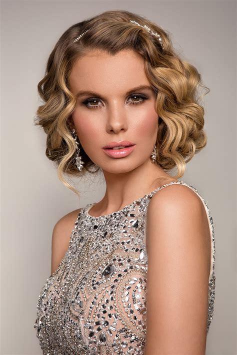 ucesy z polodlhych vlasov spolocenske 218 česy na ples pre dlh 233 vlasy tento rok rozvlnite vlasy