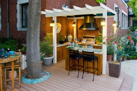 country style backyard outdoor kitchen design in backyard