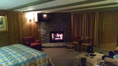 gatlinburg hotels with fireplaces fireplace picture of riverhouse at the park gatlinburg