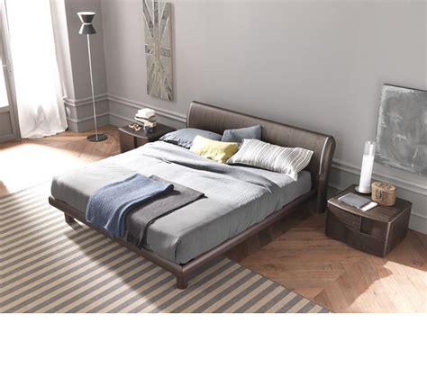 trendy beds dreamfurniture com trendy wenge bed made in italy