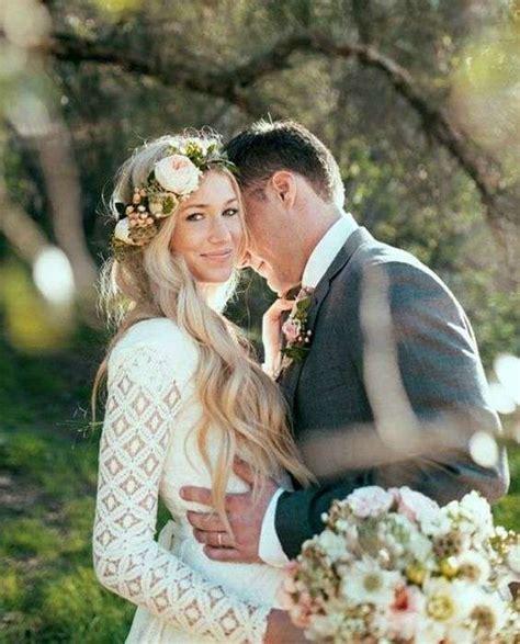 acconciature con fiore acconciature capelli ricci con fiore acconciature di