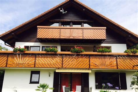 Terrassengeländer Alu Preise by Balkongel 228 Nder Alu Holzoptik Wood