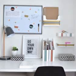 Bedroom Spray Best 25 College Desk Organization Ideas On Pinterest