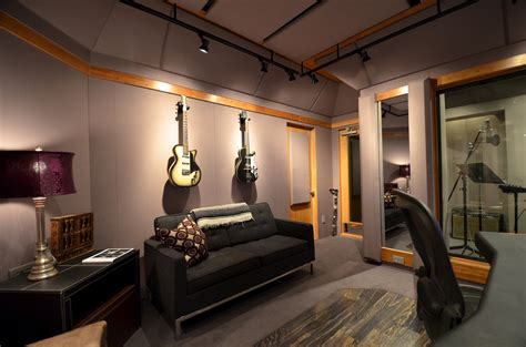 Free Live Room by Carl Tatz Design
