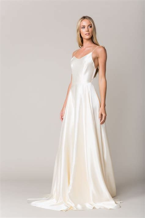 Silk Wedding Dresses by Wedding Dresses For Fall 2016 By Seven Provence