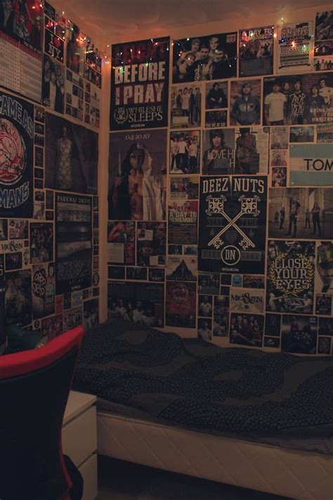 25 best ideas about poster wall on living