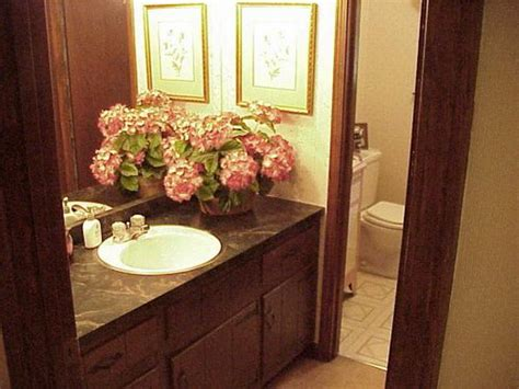 Ideas On How To Decorate A Bathroom Bloombety Guest Bathroom Decorating Guest Bathroom Decor