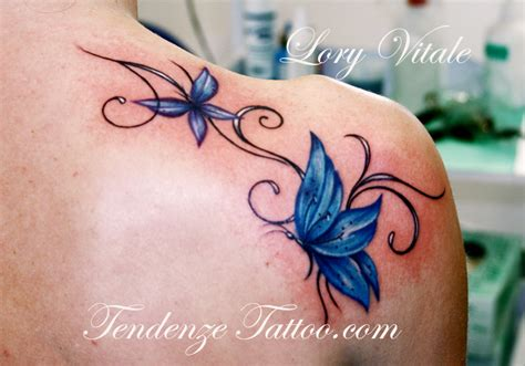 tattoo farfalla ali chiuse farfalle things that i like pinterest beautiful be