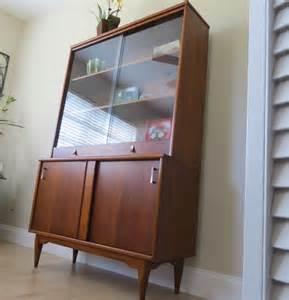 Broyhill Bookshelf Reserved Vintage Mid Century Modern Walnut China Cabinet