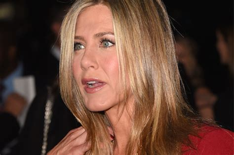 jennifer aniston reveals struggles with dyslexia anger jen is fine she just wanted to murder william h macy